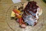 メガ盛りホイップクリームでKO?ホナカフェでのんびりハワイアンランチを満喫☆
